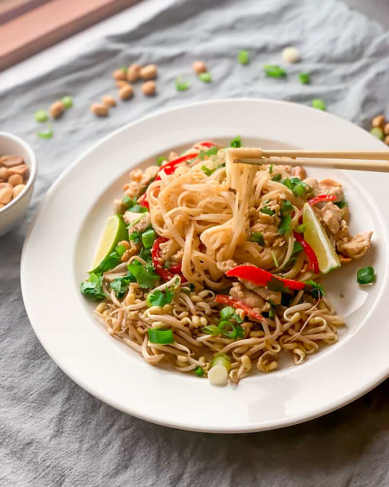 Spicy chicken Pad Thai with lime, bean sprouts and peanuts