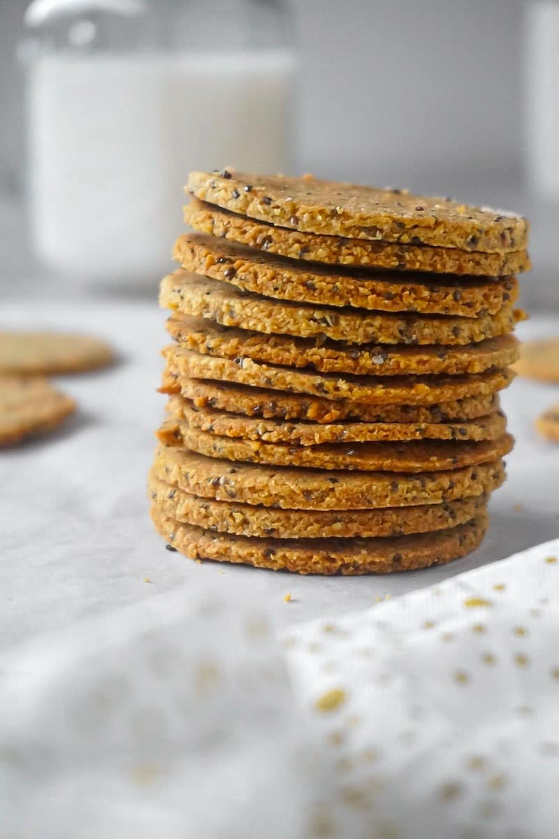 Golden and crispy low carb chia crackers after baking. Made with butter, almond flour and chia seeds.